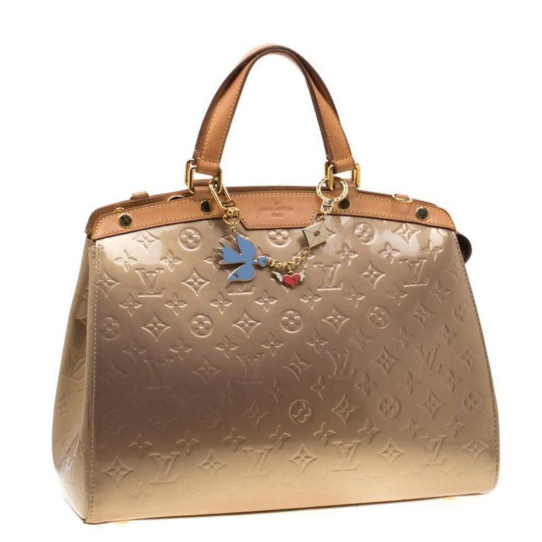 Women's Louis Vuitton Beige Poudre Monogram Vernis Brea GM Bag For Sale