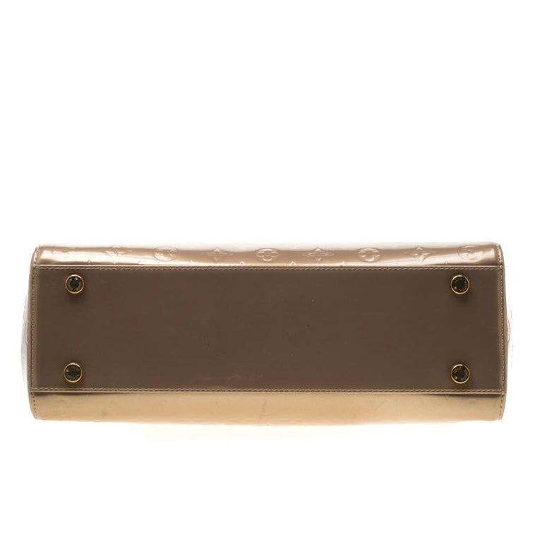 Louis Vuitton Beige Poudre Monogram Vernis Brea GM Bag For Sale 1