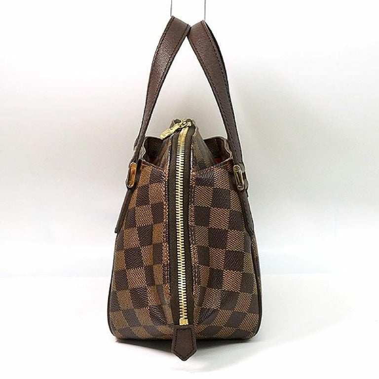 An authentic LOUIS VUITTON Belem PM Womens handbag N51173 Damier ebene. The color is Damier ebene. The outside material is Damier canvas. The pattern is BelemPM. This item is Contemporary. The year of manufacture would be 2005. Rank AB signs of wear