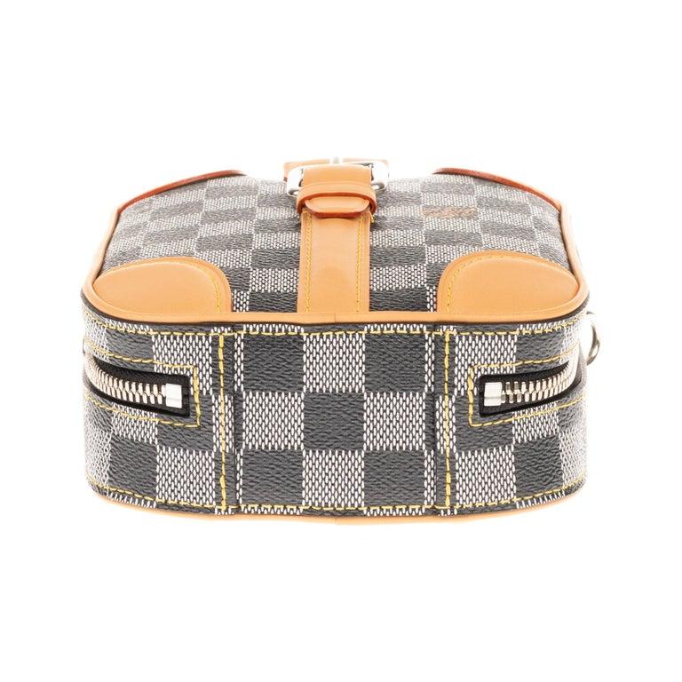 Louis Vuitton Black checkered canvas vertical shoulder bag and natural calfskin For Sale 5