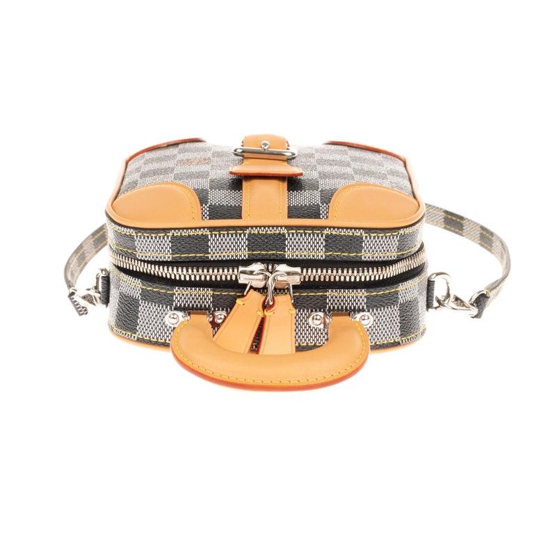 Louis Vuitton Black checkered canvas vertical shoulder bag and natural calfskin For Sale 4