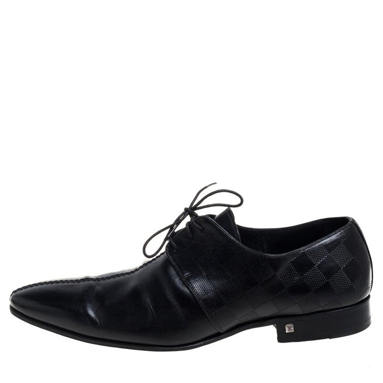 Louis Vuitton Black Damier Embossed Leather Lace Up Oxfords Size 42 For Sale 1