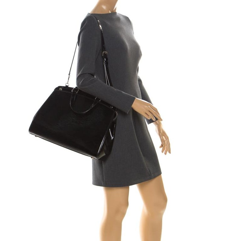 Louis Vuitton Black Electric Epi Leather Brea GM Bag In Good Condition For Sale In Dubai, Al Qouz 2