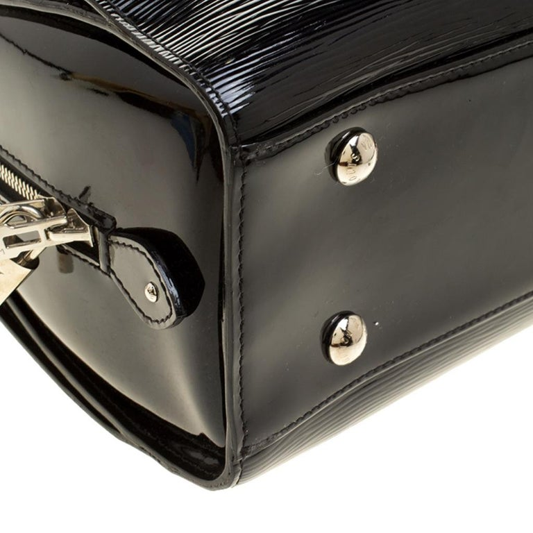 Louis Vuitton Black Electric Epi Leather Pont Neuf GM Bag For Sale 6