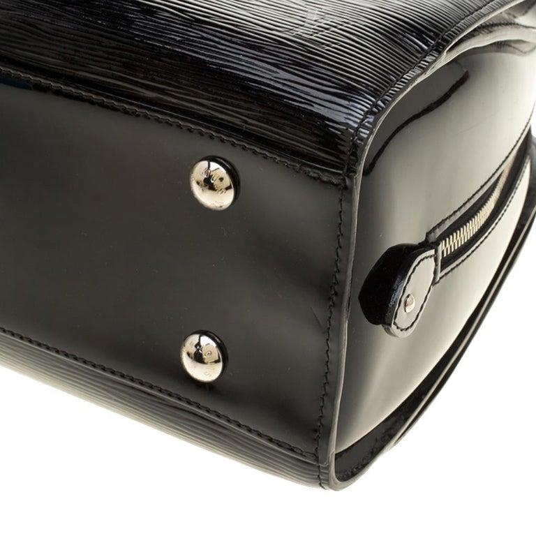 Louis Vuitton Black Electric Epi Leather Pont Neuf GM Bag For Sale 7