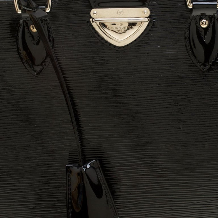 Louis Vuitton Black Electric Epi Leather Pont Neuf GM Bag For Sale 2