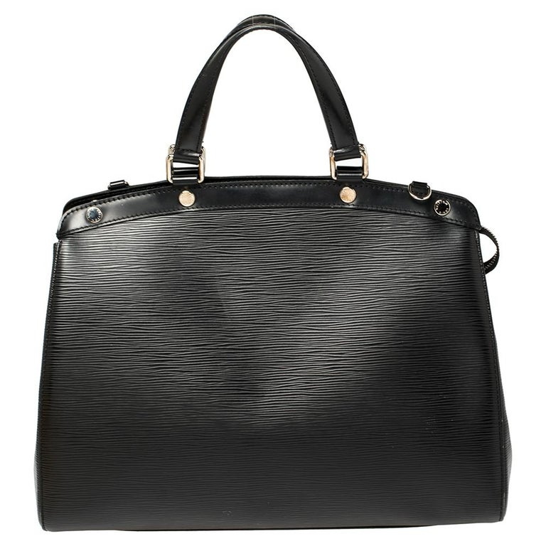 Louis Vuitton Black Epi Leather Brea GM Bag In Good Condition For Sale In Dubai, Al Qouz 2