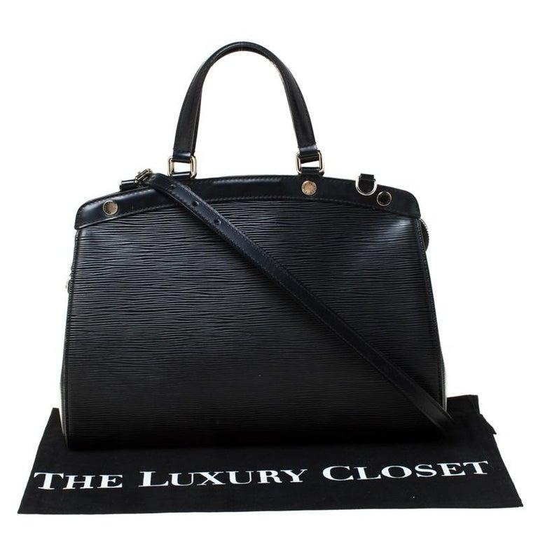 Louis Vuitton Black Epi Leather Brea MM Bag For Sale 2