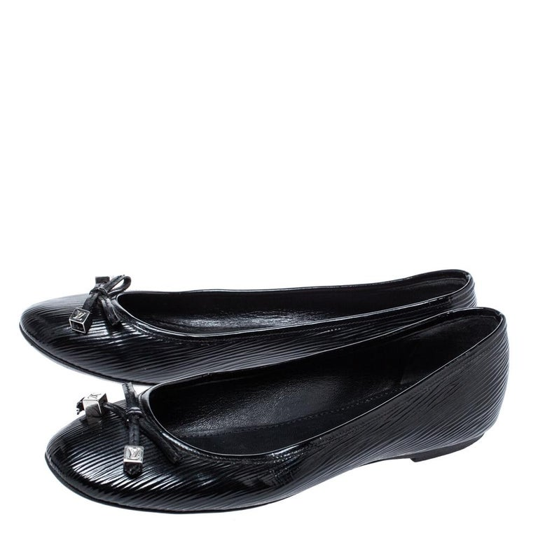 Louis Vuitton Black Epi Leather Debbie Bow Ballet Flats Size 38.5 For Sale 3