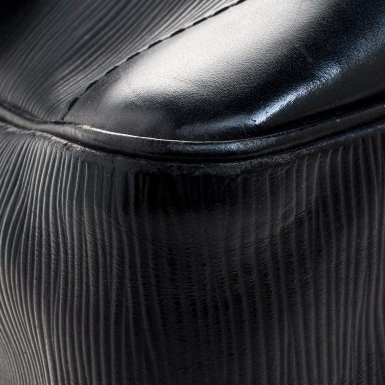 Louis Vuitton Black Epi Leather Segur MM Bag For Sale 6