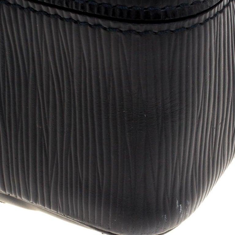 Louis Vuitton Black Epi Leather Segur MM Bag For Sale 9