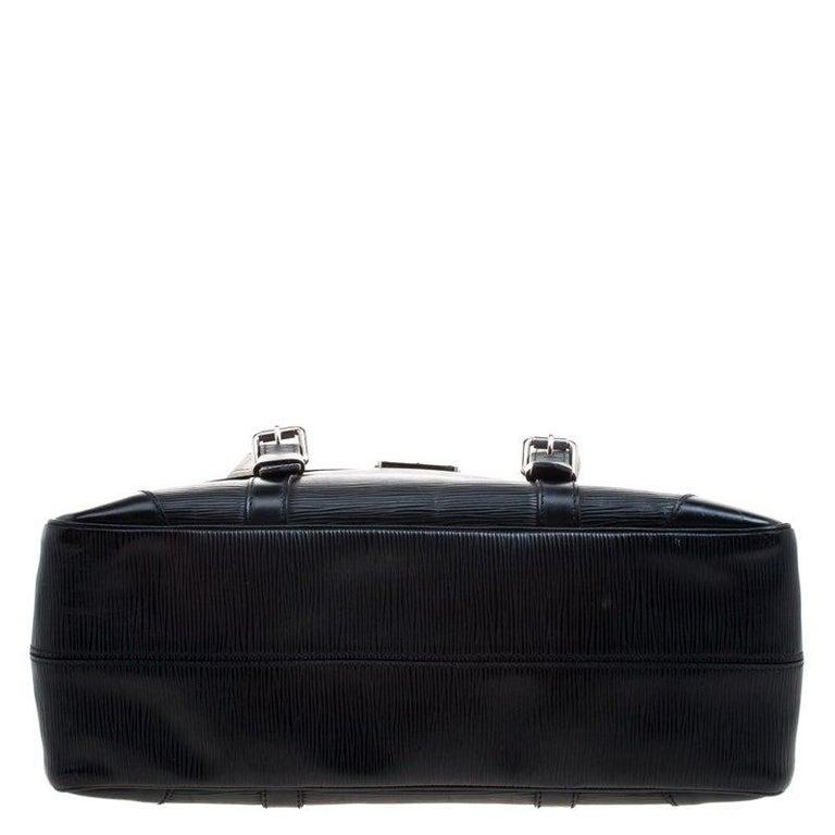 Louis Vuitton Black Epi Leather Segur MM Bag For Sale 1