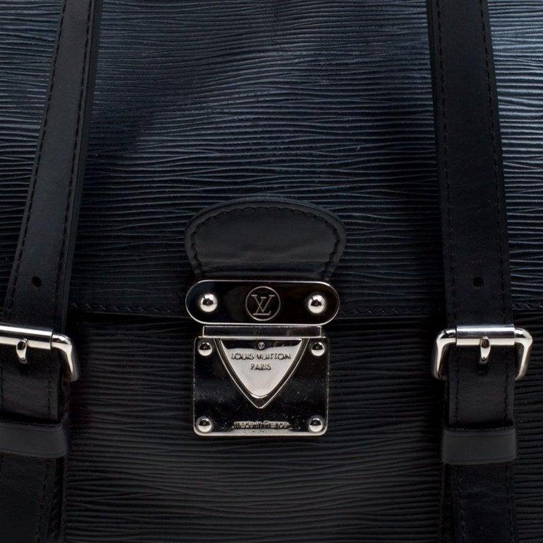 Louis Vuitton Black Epi Leather Segur MM Bag For Sale 2