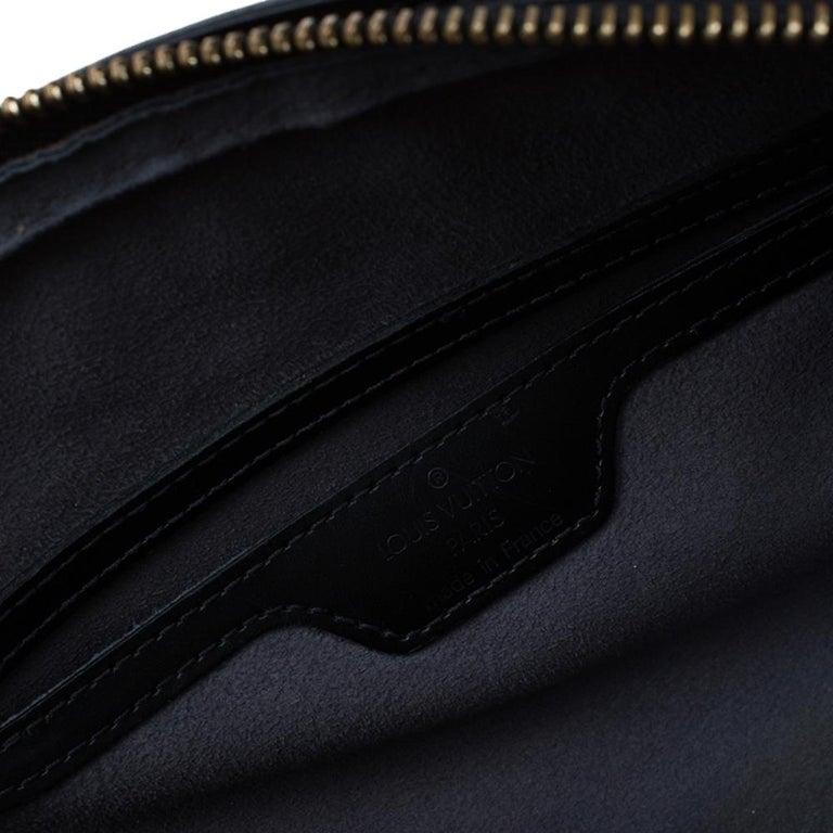 Louis Vuitton Black Epi Leather Soufflot Bag For Sale 10