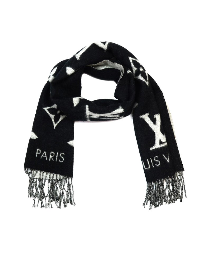 Women's or Men's Louis Vuitton Black & Grey Cashmere Reykjavik Monogram Scarf For Sale