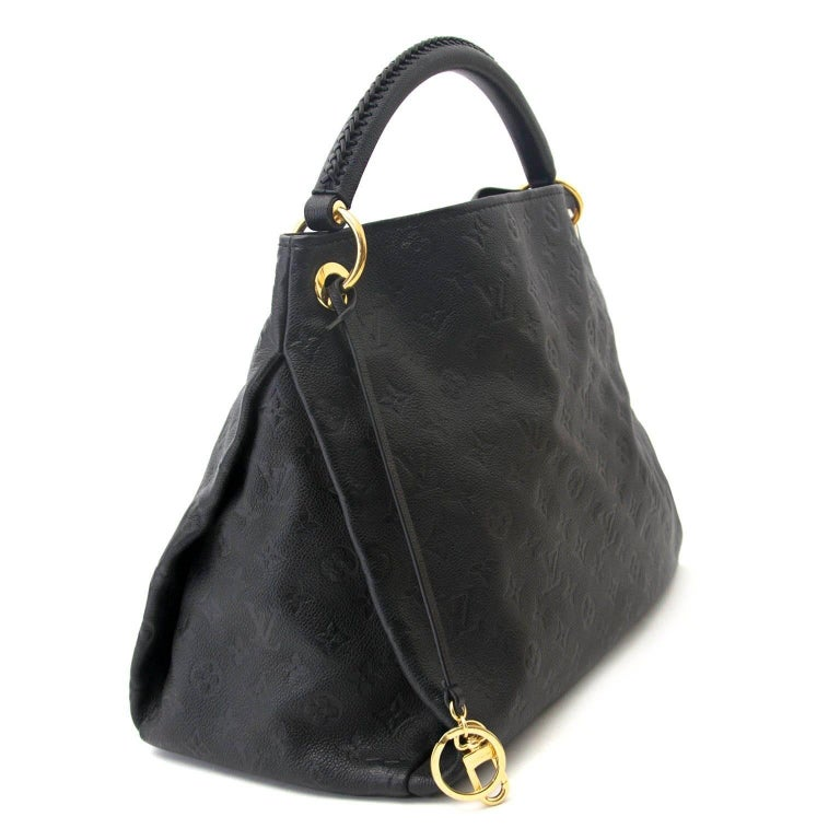 f68309fed915 Louis Vuitton Black Leather Artsy MM In Excellent Condition For Sale In  Antwerp