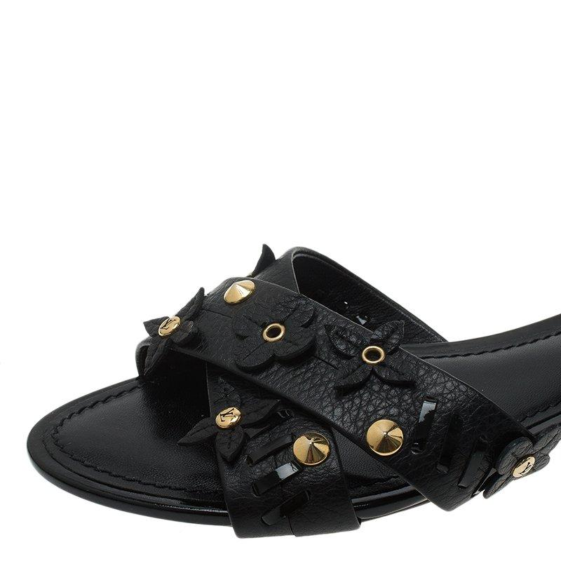 4a5f0e605e4 Louis Vuitton Black Leather Fleur Gladiator Sandals Size 36 For Sale at  1stdibs