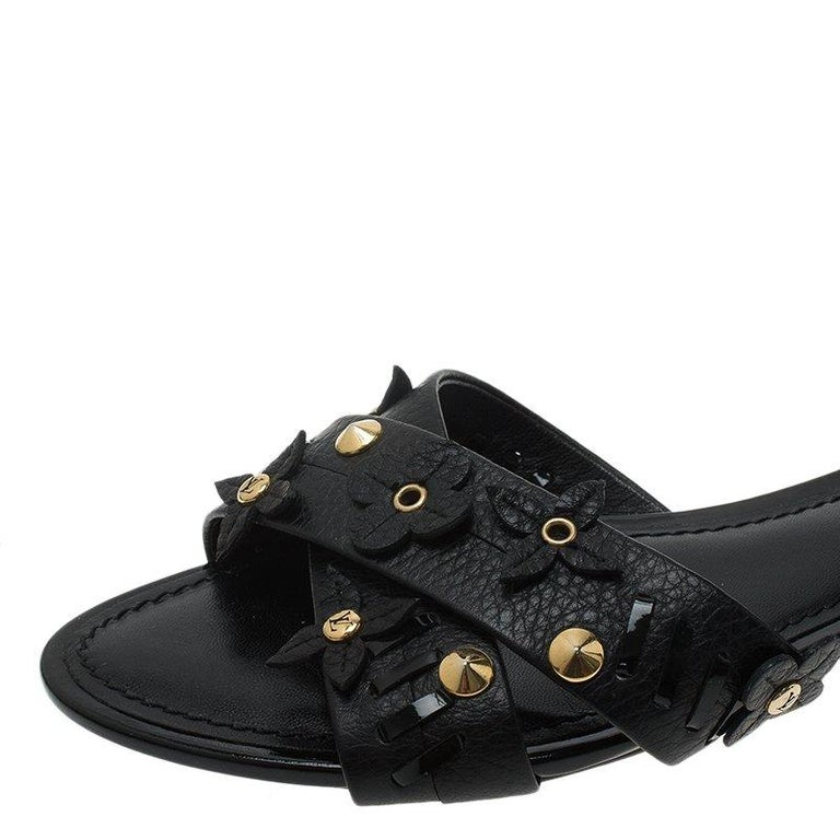 c5fdee05cd2 Louis Vuitton Black Leather Fleur Gladiator Sandals Size 36 For Sale ...