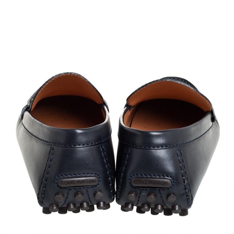 Louis Vuitton Black Leather LV Club Slip On Loafers Size 41 For Sale 2