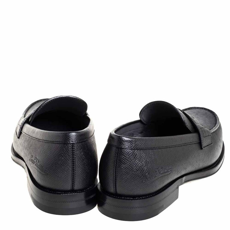 Louis Vuitton Black Leather Sorbonne Slip On Loafers Size 41 For Sale 2