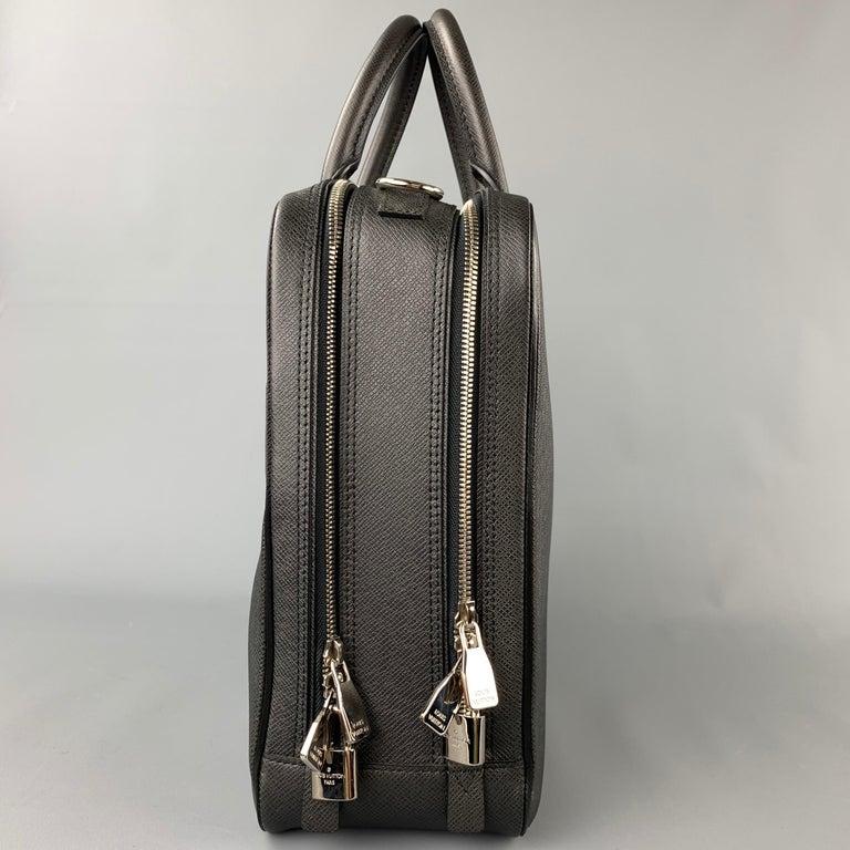 Men's LOUIS VUITTON Black Leather Taiga Porte Documents Briefcase For Sale