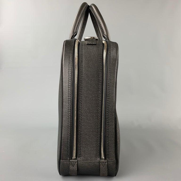 LOUIS VUITTON Black Leather Taiga Porte Documents Briefcase For Sale 2