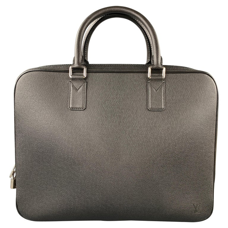 LOUIS VUITTON Black Leather Taiga Porte Documents Briefcase For Sale