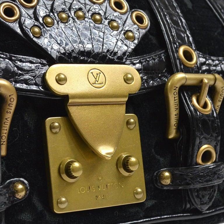 Velvet Leather Gold tone hardware Leather lining Handle drop 4