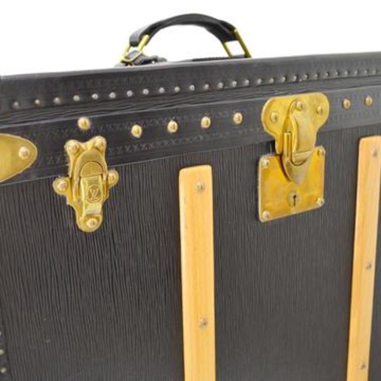 Epi Leather Wood Velvet lining Gold tone hardware Handle drop 2.75