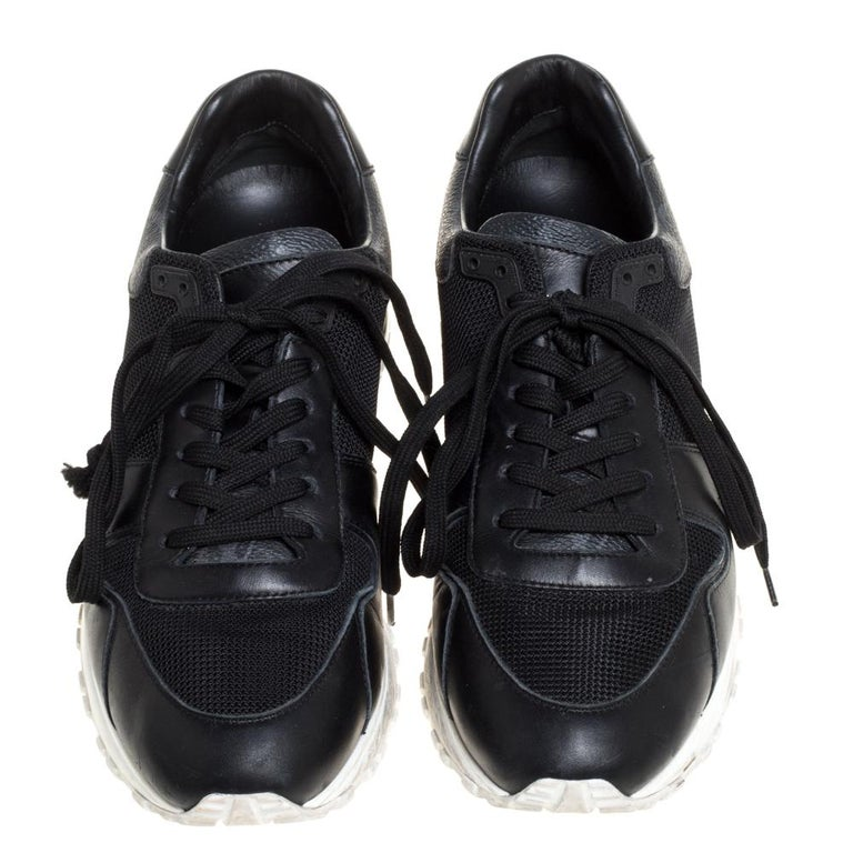 Louis Vuitton Black Mesh And Leather Monogram Canvas Lace Up Sneakers Size 39 In Fair Condition For Sale In Dubai, Al Qouz 2