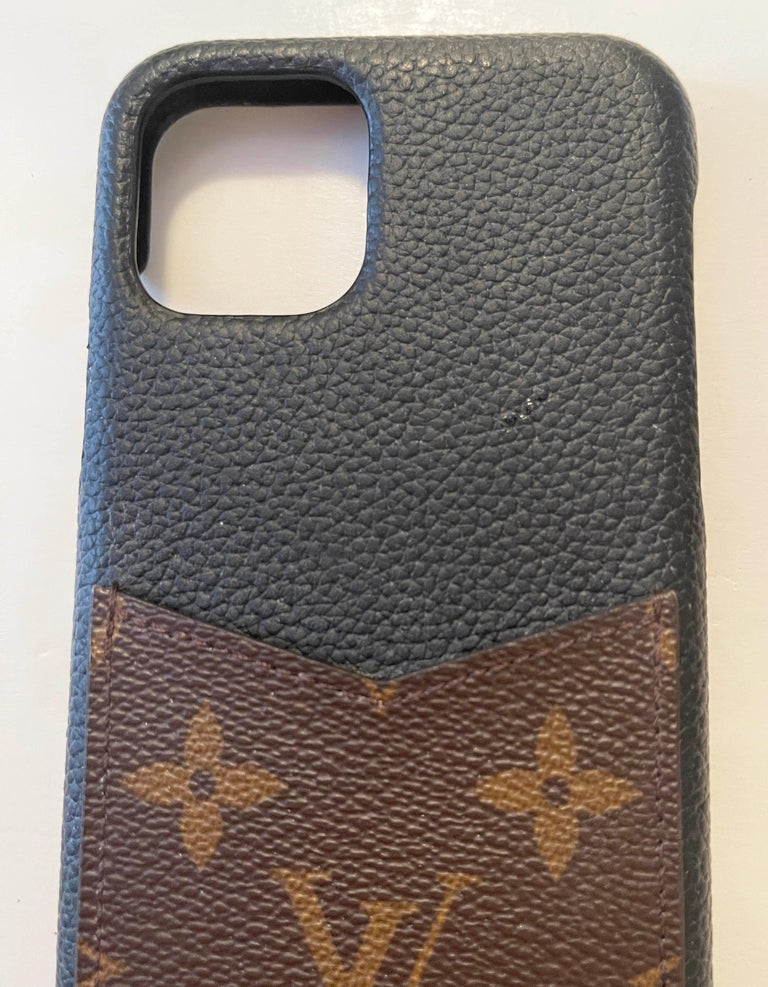 Louis Vuitton Black/ Monogram iPhone 11 Pro Bumper Case rt. $450 In Excellent Condition In New York, NY