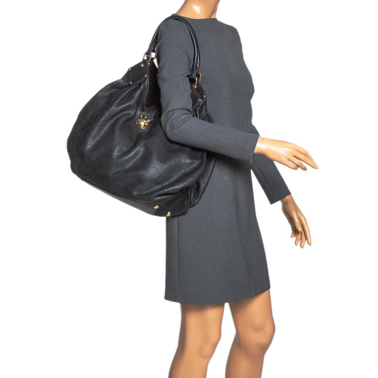 Louis Vuitton Black Monogram Mahina Leather XL Bag In Fair Condition For Sale In Dubai, Al Qouz 2