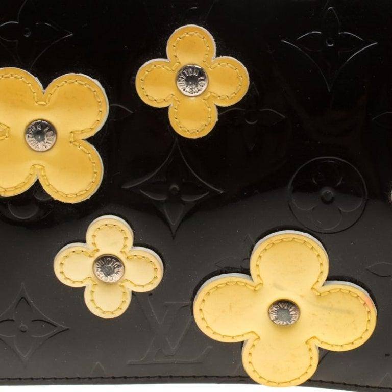 Louis Vuitton Black Monogram Vernis Lexington Fleurs Accessories Pochette Bag For Sale 7