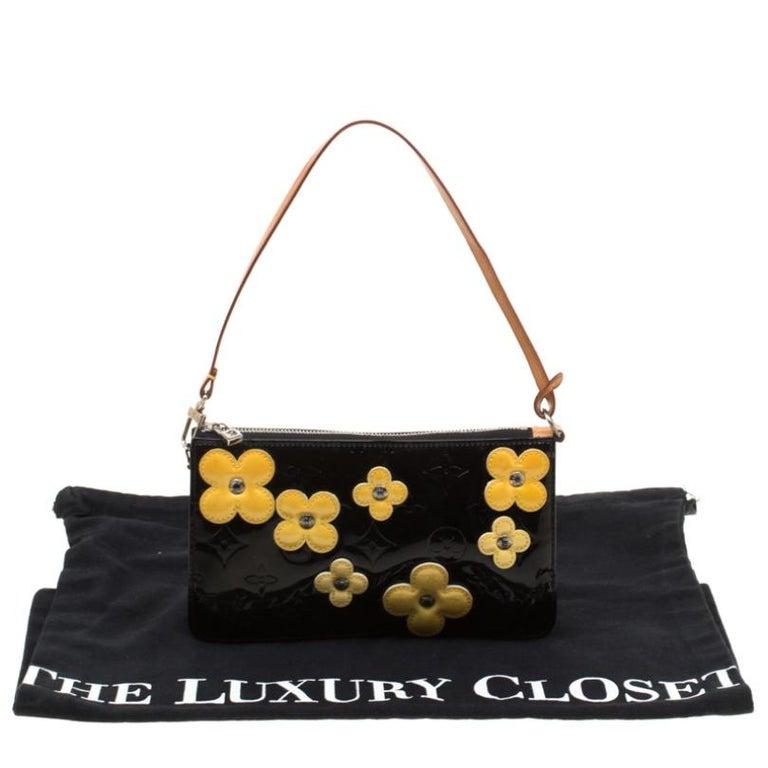Louis Vuitton Black Monogram Vernis Lexington Fleurs Accessories Pochette Bag For Sale 8