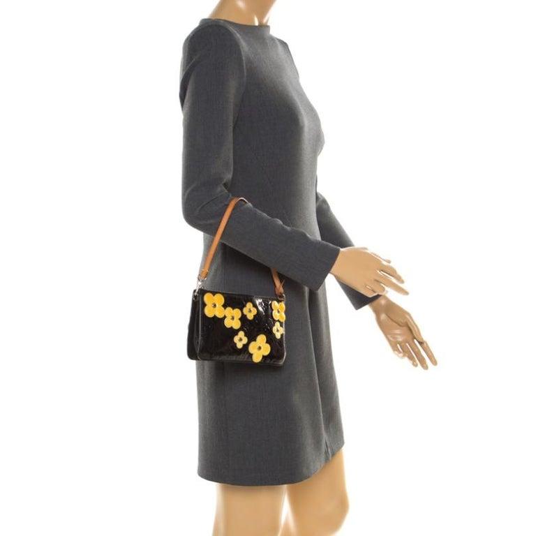 Louis Vuitton Black Monogram Vernis Lexington Fleurs Accessories Pochette Bag In Good Condition For Sale In Dubai, Al Qouz 2