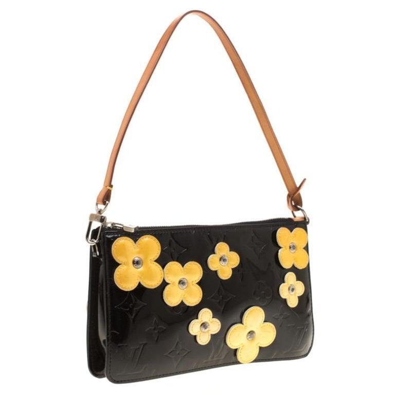 Women's Louis Vuitton Black Monogram Vernis Lexington Fleurs Accessories Pochette Bag For Sale