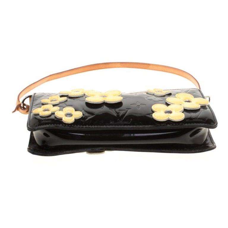 Louis Vuitton Black Monogram Vernis Lexington Fleurs Accessories Pochette Bag For Sale 1
