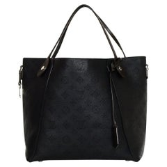 Louis Vuitton Black Noir Mahina Leather Perforated Monogram Hina MM Bag rt $3900