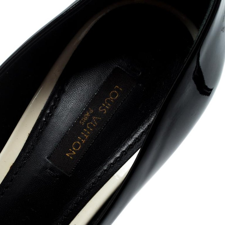 Louis Vuitton Black Patent Leather Eyeline Peep Toe Platform Pumps Size 37.5 For Sale 2
