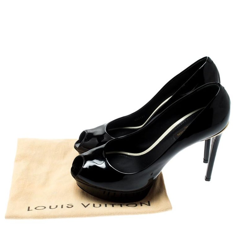 Louis Vuitton Black Patent Leather Eyeline Peep Toe Platform Pumps Size 37.5 For Sale 4