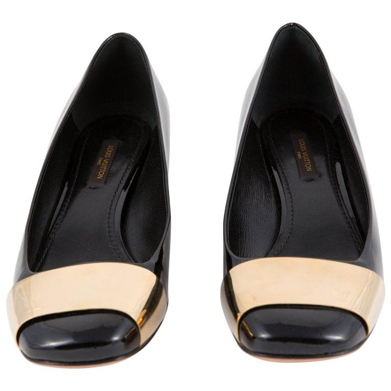 Louis Vuitton Black Patent Leather Logo Pumps Shoes For Sale