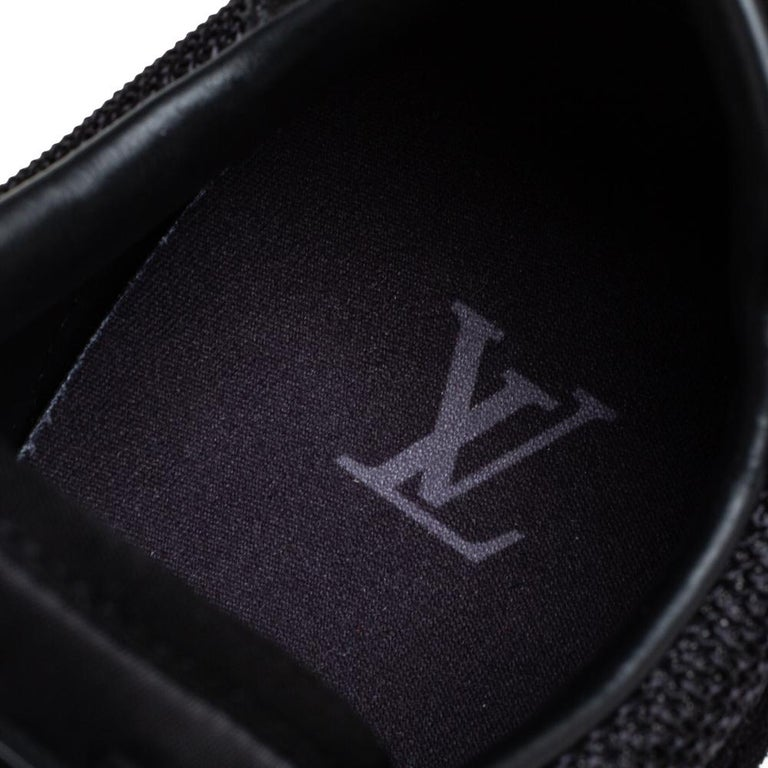 Louis Vuitton Black Suede And Mesh Runner Sneakers Size 41 For Sale 1