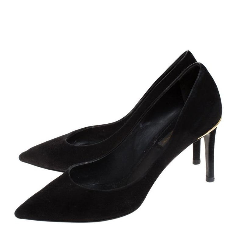 Louis Vuitton Black Suede Eyeline Pointed Toe Pumps Size 37.5 For Sale 3