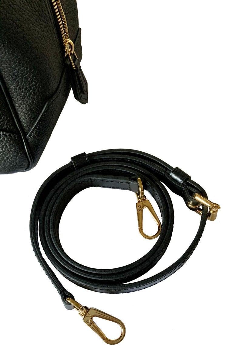 Louis Vuitton Black Taurillon Neo Square Bag  For Sale 6