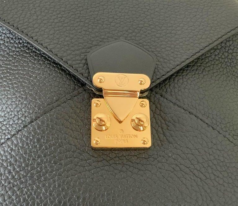 Louis Vuitton Black Taurillon Neo Square Bag  For Sale 7