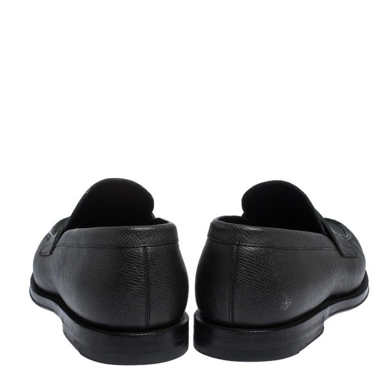 Louis Vuitton Black Textured Leather Penny Loafers Size 40 For Sale 1