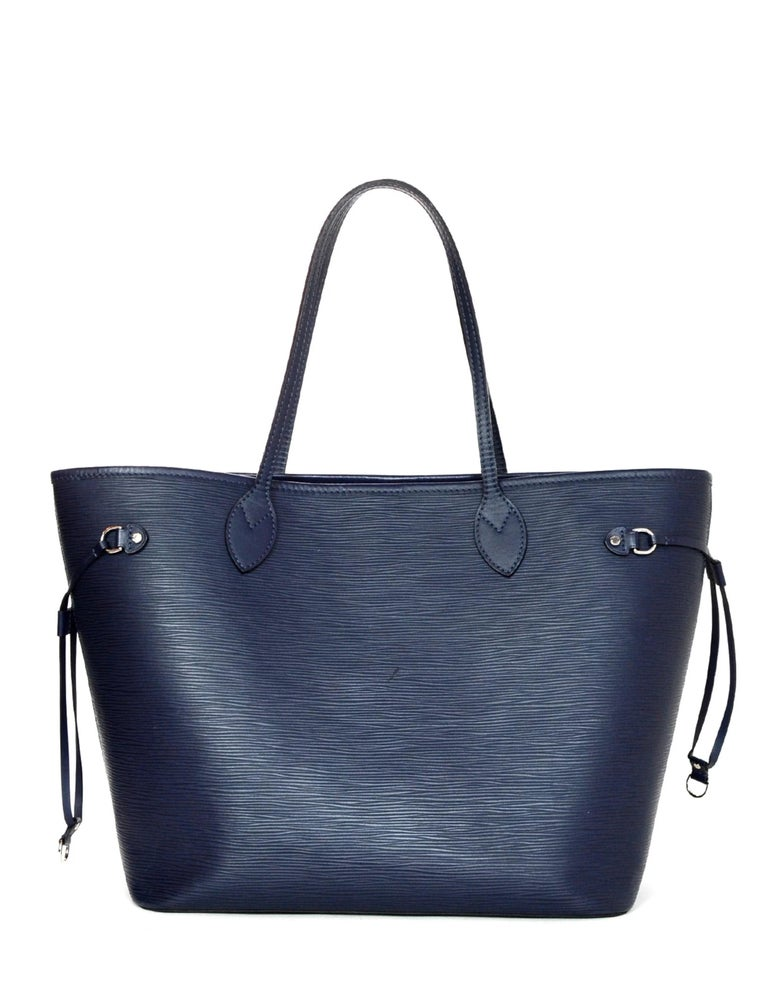 Louis Vuitton Blue Indigo Epi Leather Neverfull MM Tote Bag w/ Insert rt. $2,260 In Good Condition For Sale In New York, NY