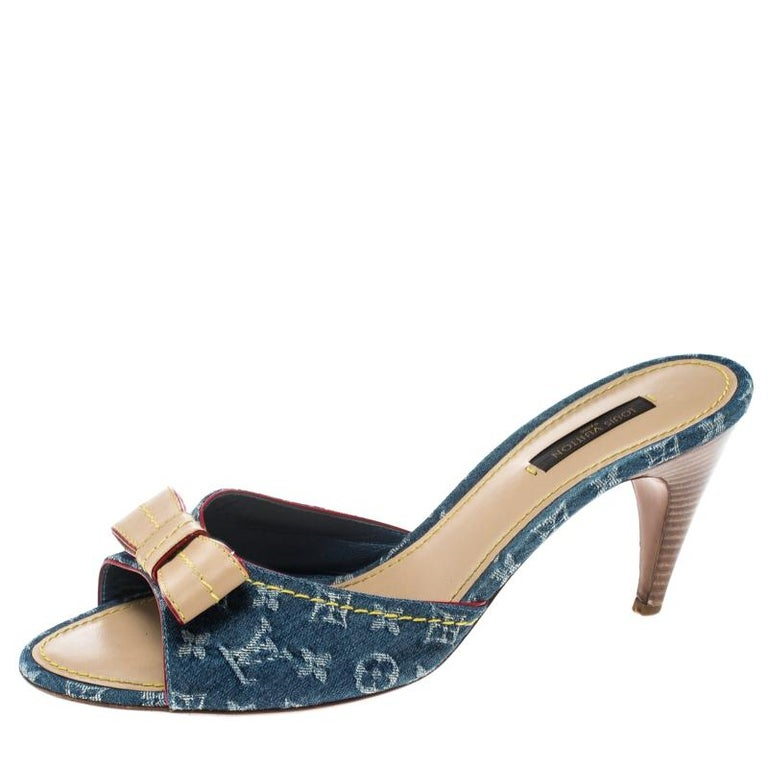 14b599bc67 Louis Vuitton Blue Monogram Denim Bow Slides Size 40 For Sale at 1stdibs