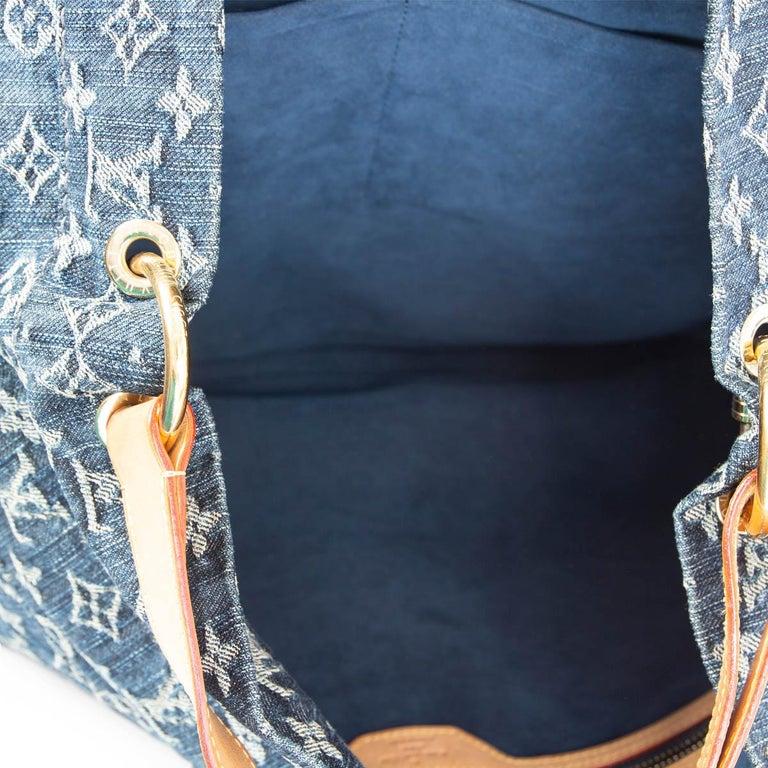 Women's LOUIS VUITTON blue MONOGRAM DENIM DAILY GM Hobo Shoulder Bag For Sale