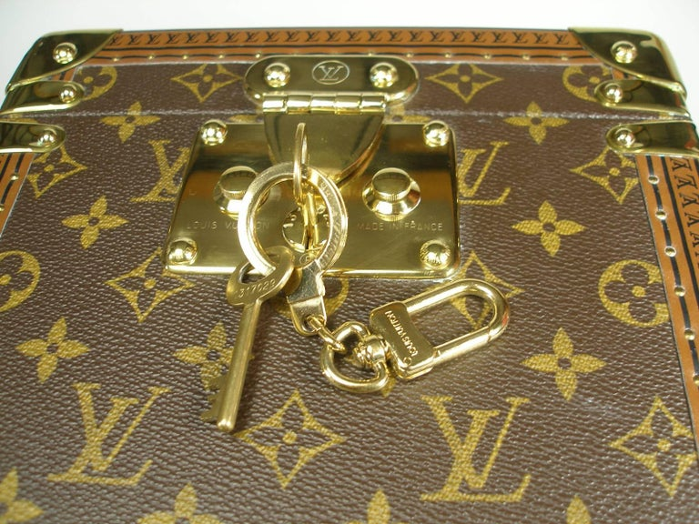 Louis Vuitton Boites à Flacons Beauty Case Monogram Canvas  For Sale 8